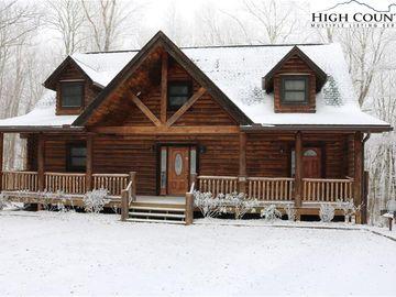 561 Rock Spring Circle Sugar Mountain, NC 28604 - Image 1