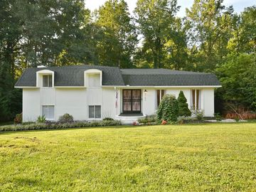5140 Maplewood Drive Greenville, SC 29615 - Image 1