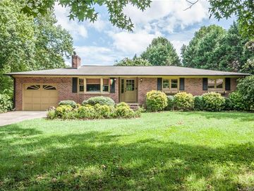 122 Hollowbrook Court Statesville, NC 28625 - Image 1