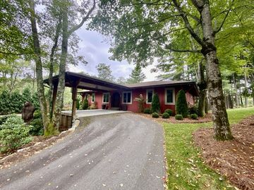 117 Black Locust Circle Blowing Rock, NC 28605 - Image 1
