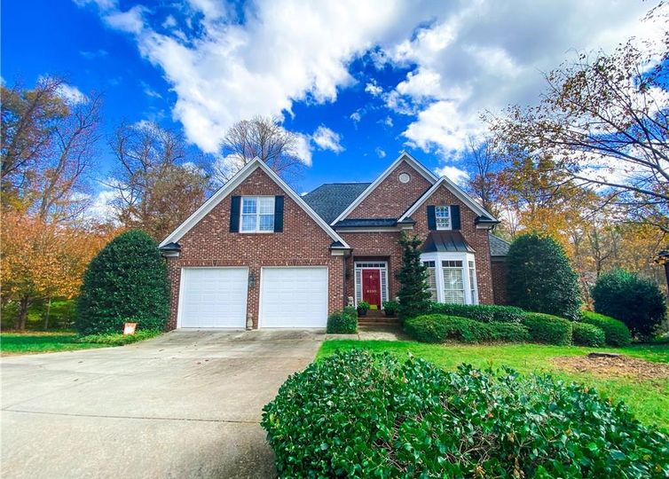 6100 Mill Chase Court Greensboro, NC 27455