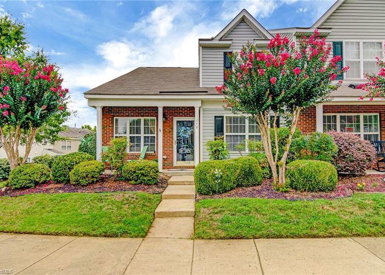 1048 Oak Blossom Way Whitsett, NC 27377