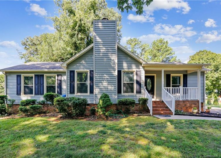 208 Colonial Drive Belmont, NC 28012