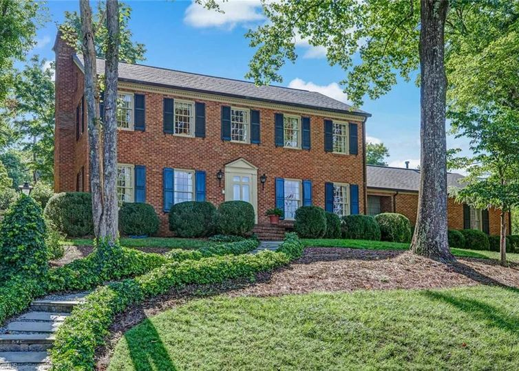 1260 Westminster Drive High Point, NC 27262