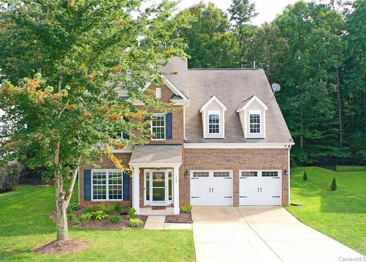142 S Cromwell Drive Mooresville, NC 28115