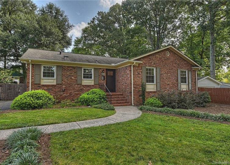 6111 Rose Valley Drive Charlotte, NC 28210