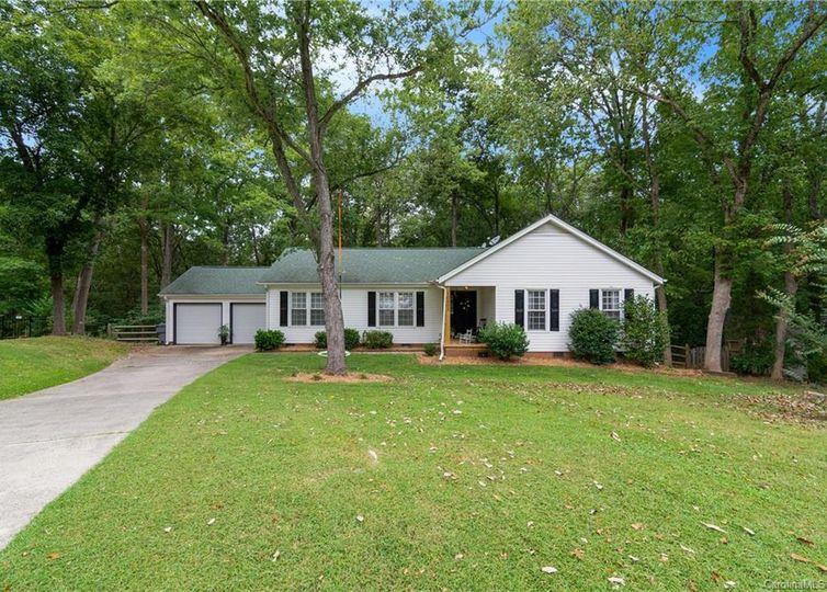 10803 Sawgrass Court Charlotte, NC 28226