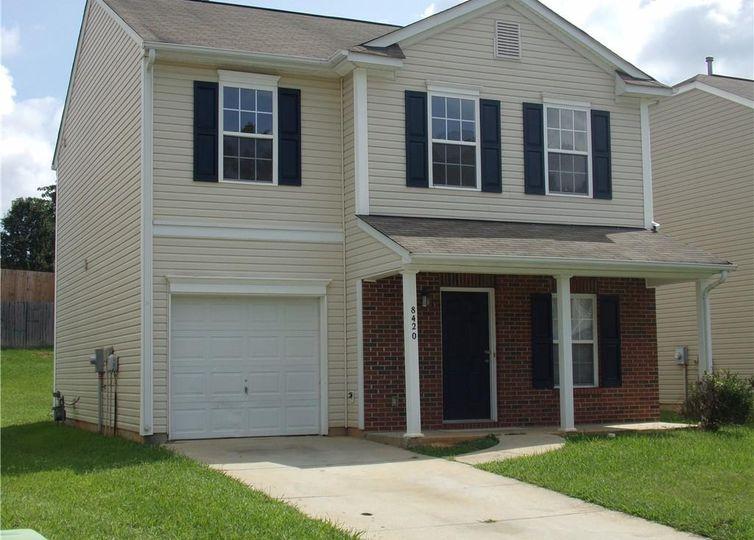 8420 Ainsworth Street Charlotte, NC 28216