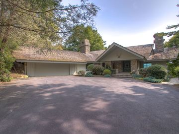 258 Hickory Boone, NC 28607 - Image 1