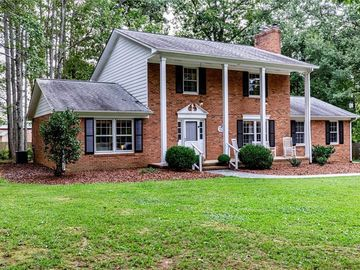 19 Edinborough Court Greensboro, NC 27406 - Image 1