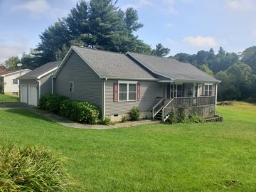 667 Ransom Street Blowing Rock, NC 28605 - Image 1