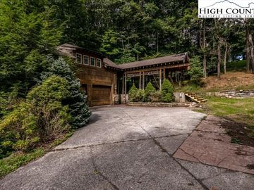 507 Saint Andrews Road Beech Mountain, NC 28604 - Image 1