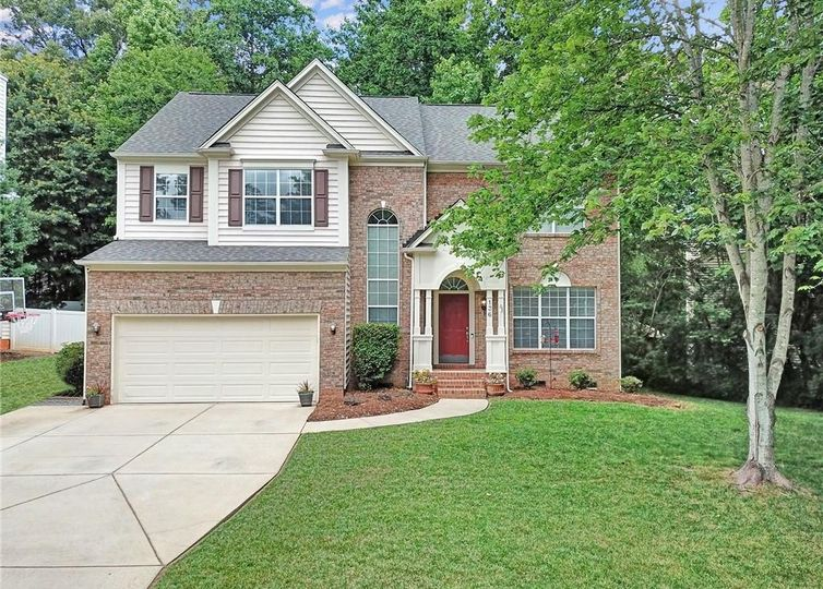 136 Creekside Drive Fort Mill, SC 29715