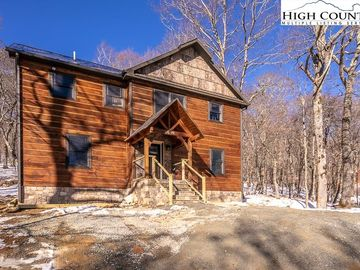 428 Cloud Springs Drive Sugar Mountain, NC 28604 - Image 1