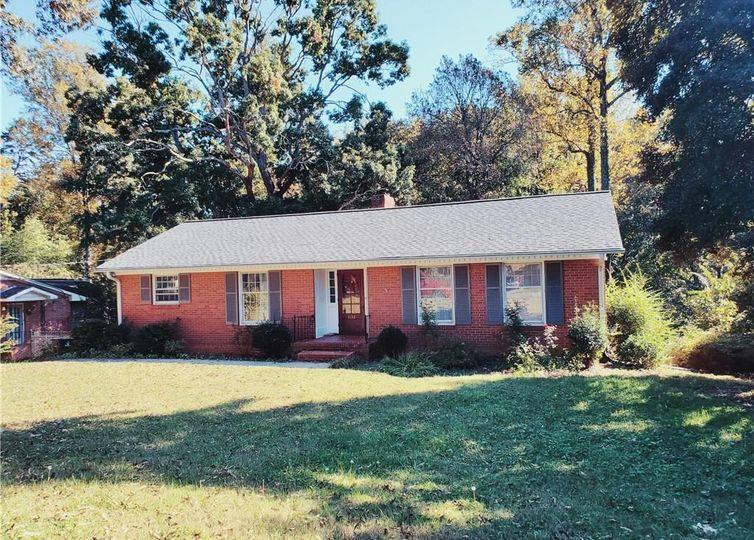 3132 Kinnamon Road Winston Salem, NC 27104