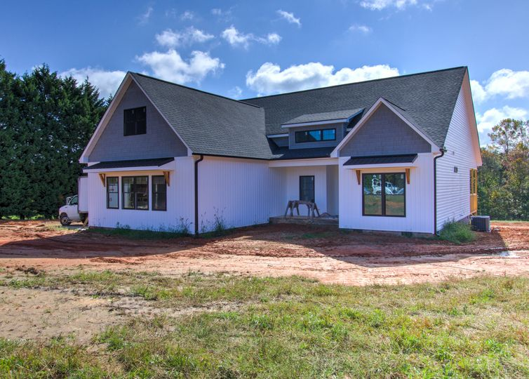 8805 Colgate Road Stokesdale, NC 27357