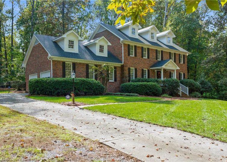 4302 Oakmoor Drive Greensboro, NC 27406