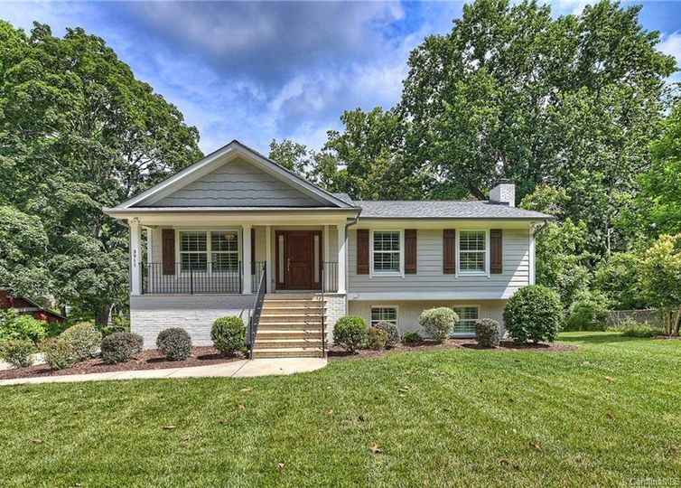3911 Sharon View Road Charlotte, NC 28226