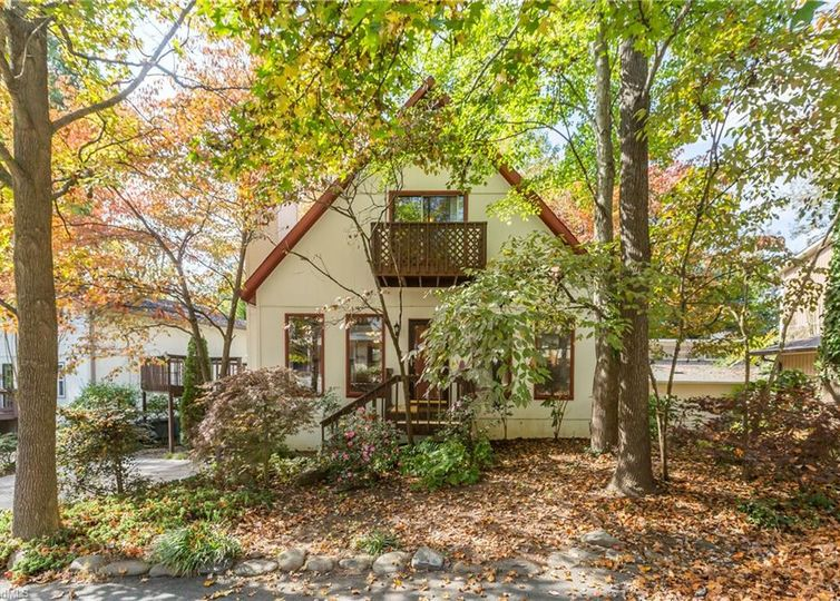 2747 Woodlore Trail Winston Salem, NC 27103