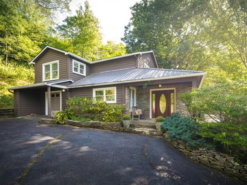 882 Goforth Road Blowing Rock, NC 28605 - Image 1