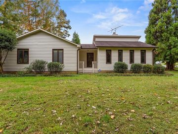 4800 Blakeshire Road Greensboro, NC 27406 - Image 1