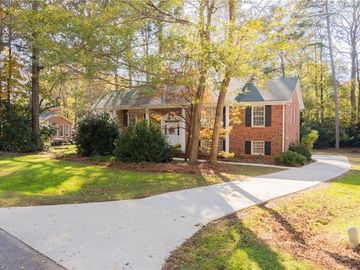 4004 Coltswood Drive Greensboro, NC 27406 - Image