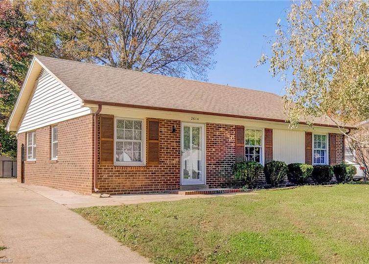 2614 Hillway Drive Greensboro, NC 27407