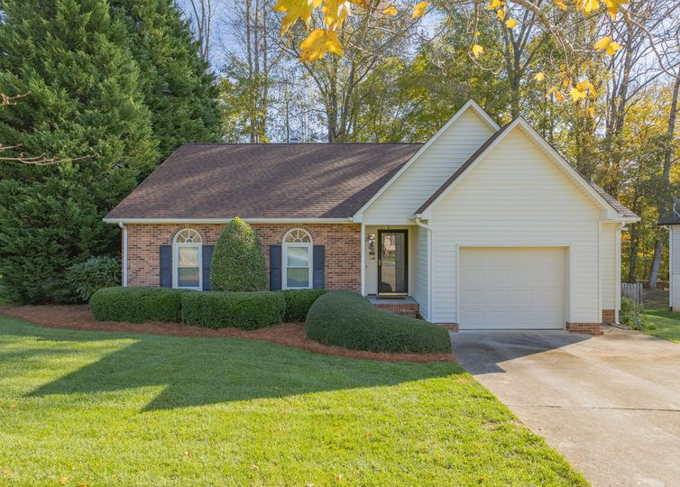 4245 Yeaton Glen Circle Winston Salem, NC 27107
