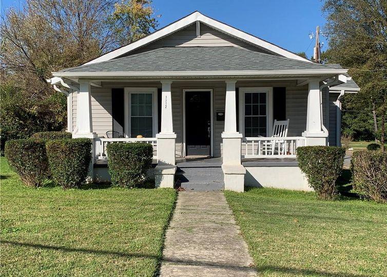 1712 Sherwood Street Greensboro, NC 27403