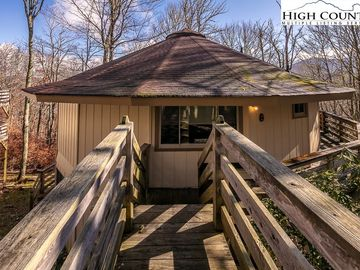 315 Timber Ridge Road Sugar Mountain, NC 28604 - Image 1