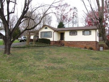 118 Pleasantview Drive King, NC 27021 - Image 1