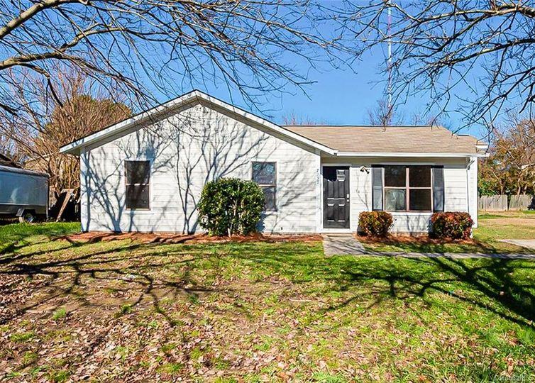 7237 Meadowland Drive Charlotte, NC 28215