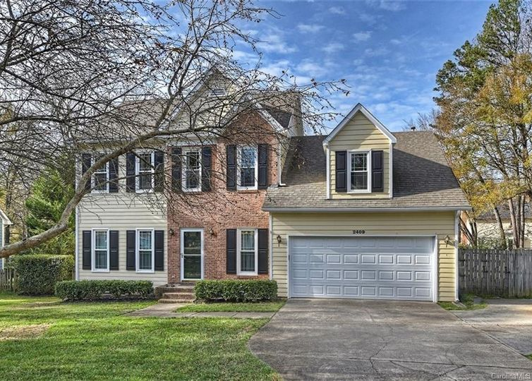 2409 Heathershire Lane Matthews, NC 28105