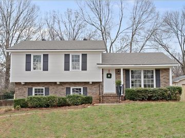 6923 Thorncliff Drive Charlotte, NC 28210 - Image 1