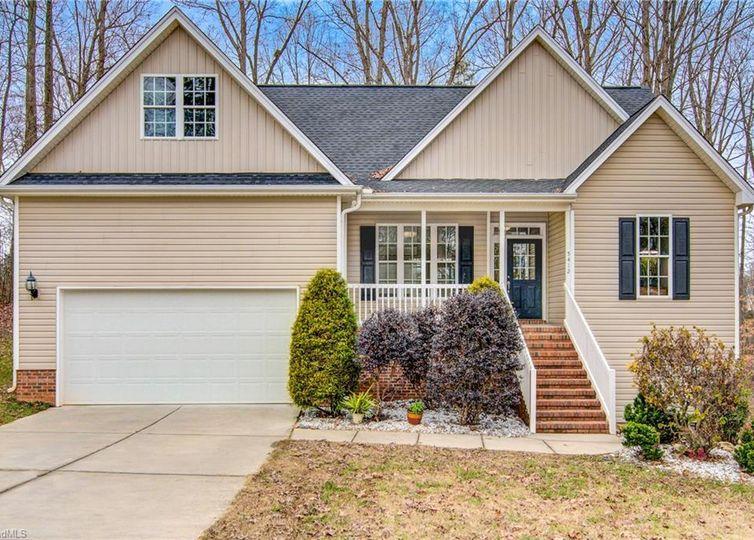 5412 Wood Leaf Drive Greensboro, NC 27406