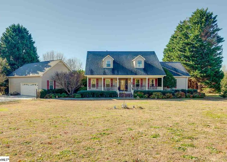 14 Summit Court Taylors, SC 29687