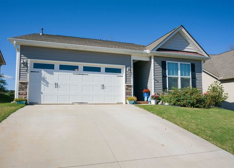 517 Shady Vale Boiling Springs, SC 29316