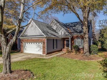 6323 Summerlin Place Charlotte, NC 28226 - Image 1