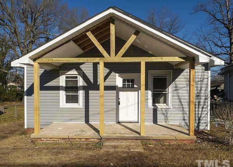 1038 Elwood Street Burlington, NC 27217