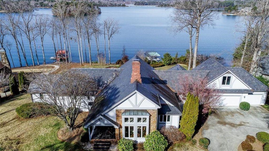 3023 Lake Keowee Lane Seneca, SC 29672