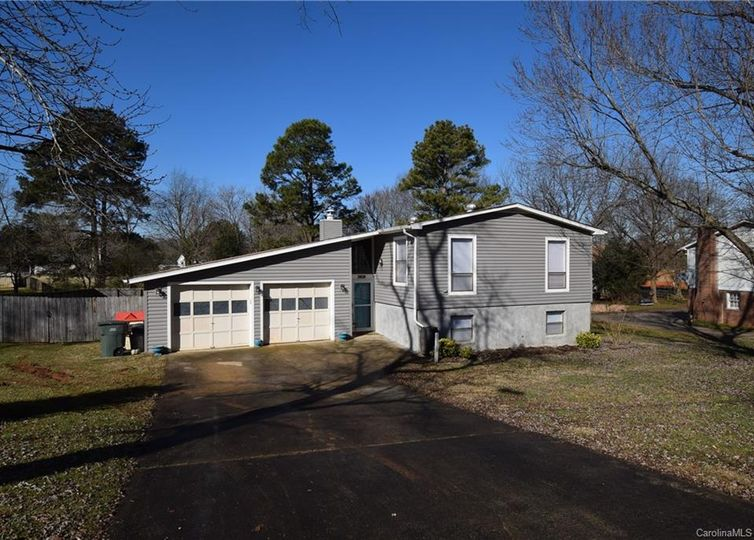 2409 Hoffman Street Gastonia, NC 28054