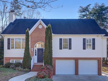 2213 Plainview Drive High Point, NC 27265 - Image 1