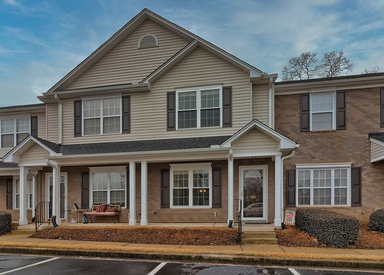 565 Waterbrook Drive Greenville, SC 29607