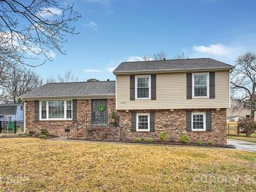8908 Nightingale Lane Charlotte, NC 28226 - Image 1