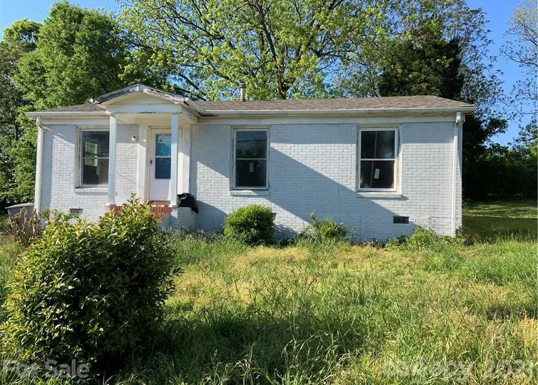 321 Cemetery Street Charlotte, NC 28216