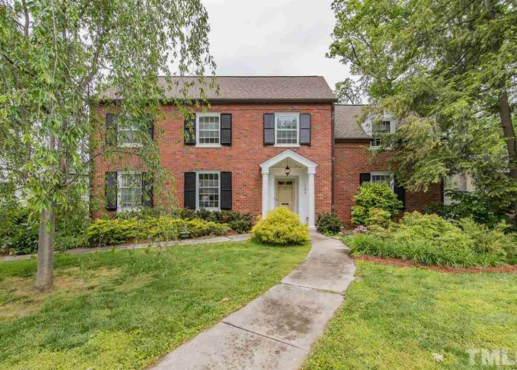 1104 Forest Hills Drive High Point, NC 27262