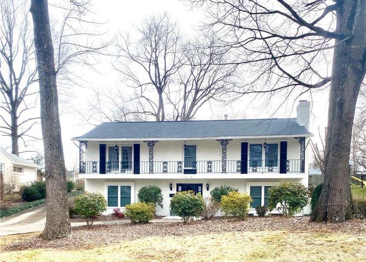 1219 Onslow Drive Greensboro, NC 27408