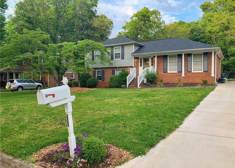 1008 Elderwood Place Greensboro, NC 27410