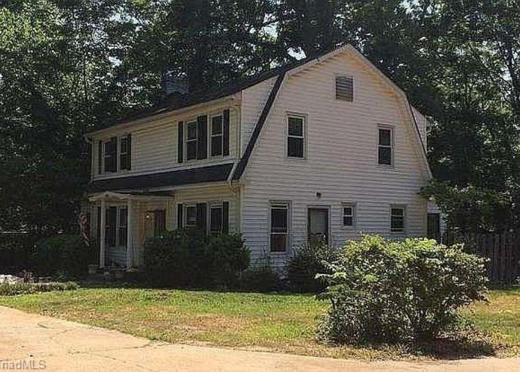 5303 W Friendly Avenue Greensboro, NC 27410