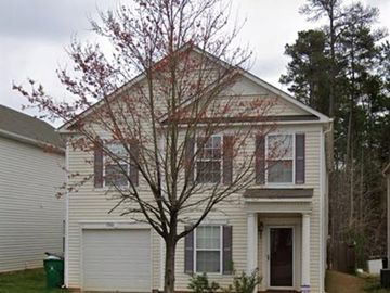 7242 Fox Point Drive Charlotte, NC 28269 - Image